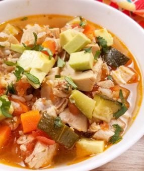 This is my favorite soup to make for my family–it's an easy chicken soup recipe! Making this rotisserie chicken soup with salsa is can be done in the crockpot, Instant Pot, or on the stove top. 21 Day Fix Soup | Instant Pot Soup | Crockpot Chicken Soup | Rotisserie Chicken Dinner