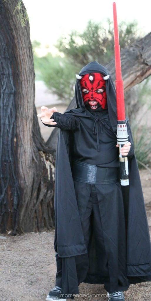 DIY costume for tween boys: Darth Maul