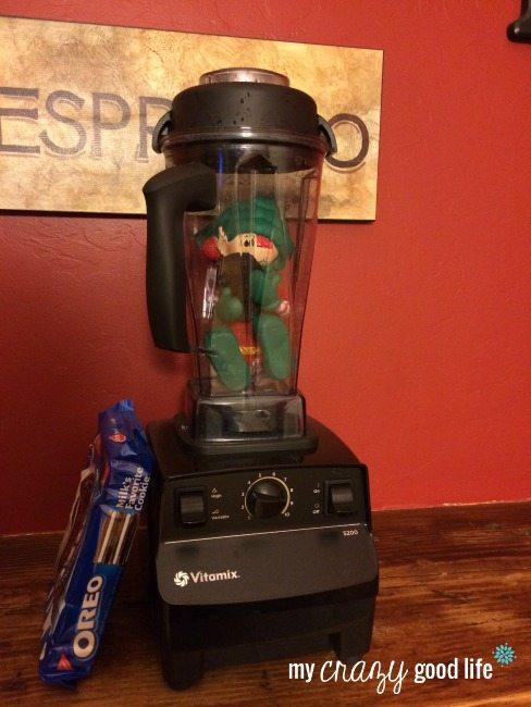 Elf on the Shelf Kitchen Ideas: Vitamix Blender