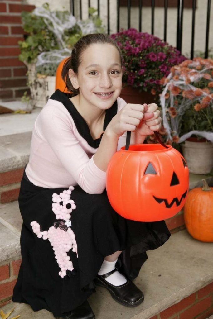 There's no lack of costumes for tween girls out there, but most are inappropriate or too silly. I've found some fun and age-appropriate costume ideas for your not-so-little but not-so-big girls.