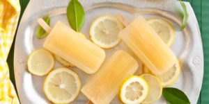Lemonade Popsicles: A 21 Day Fix treat swap that uses no yellow containers!
