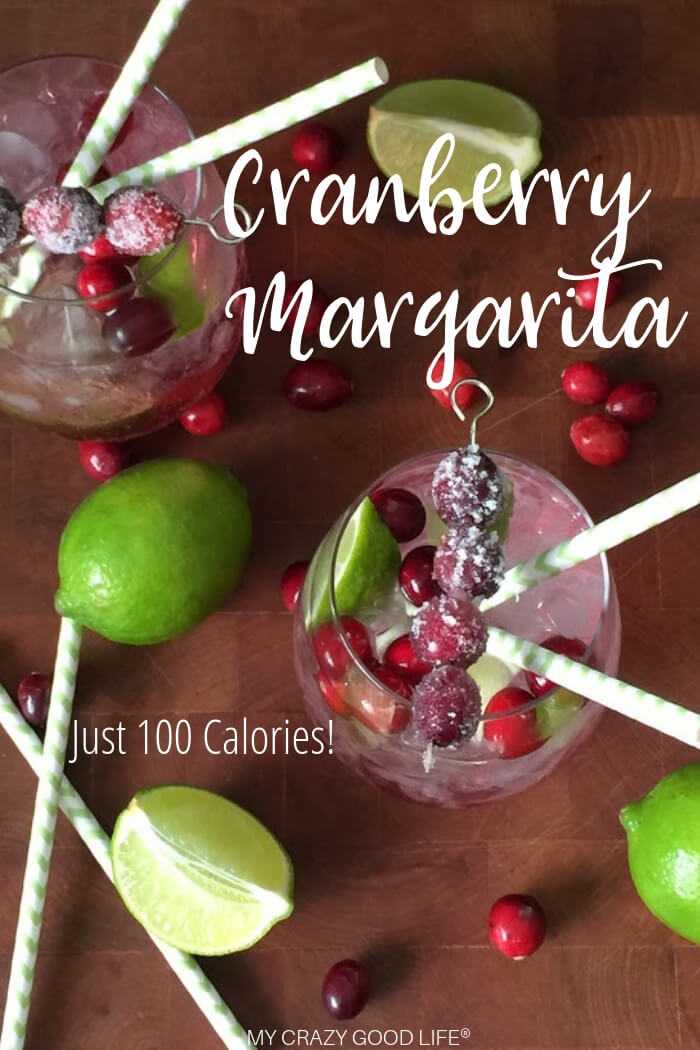 This delicious low cal Cranberry Margarita recipe is only 100 calories! Sugar free and no artificial sweeteners, it's a refreshing skinny margarita! 21 Day Fix Margarita | Weight Watchers Margarita | Skinny Cranberry Margarita