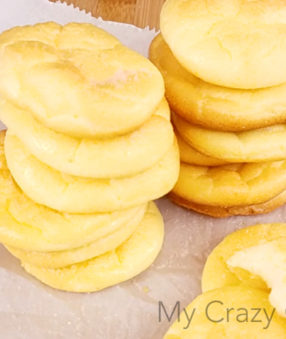 This Low Carb Cloud Bread with Greek Yogurt is a cleaner version of the traditional cloud bread recipe (that is usually made with cream cheese). Cooking tips included.