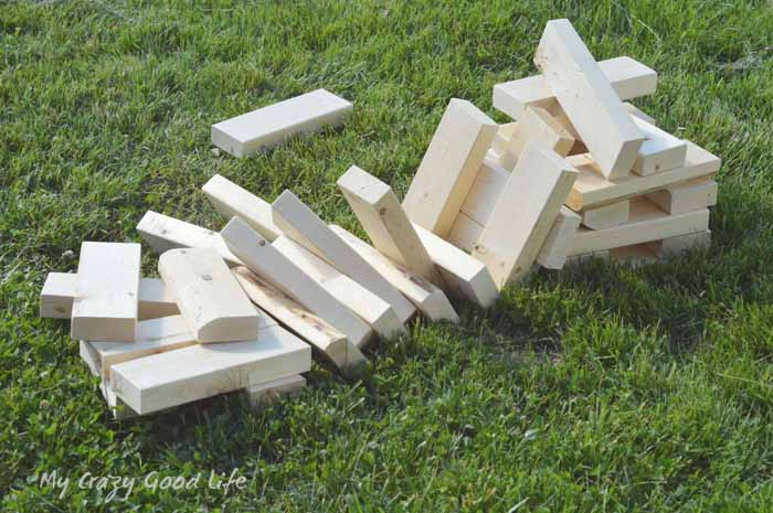 You can easily build this DIY Giant Jenga game for your next party or picnic