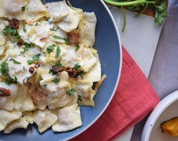 This Creamy Asiago Ravioli has all you expect from a good Italian recipe, it's easy to do, a total crowd pleaser, and out of this world good.