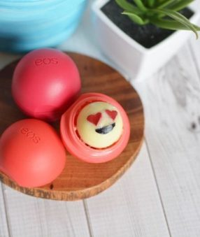 Emoji EOS are perfect for expressing your creative side while also keeping your lips hydrated and feeling great as we head into these cooler months!