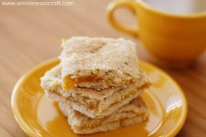 http://seevanessacraft.com/2015/02/recipe-apricot-pastellitos-pies/