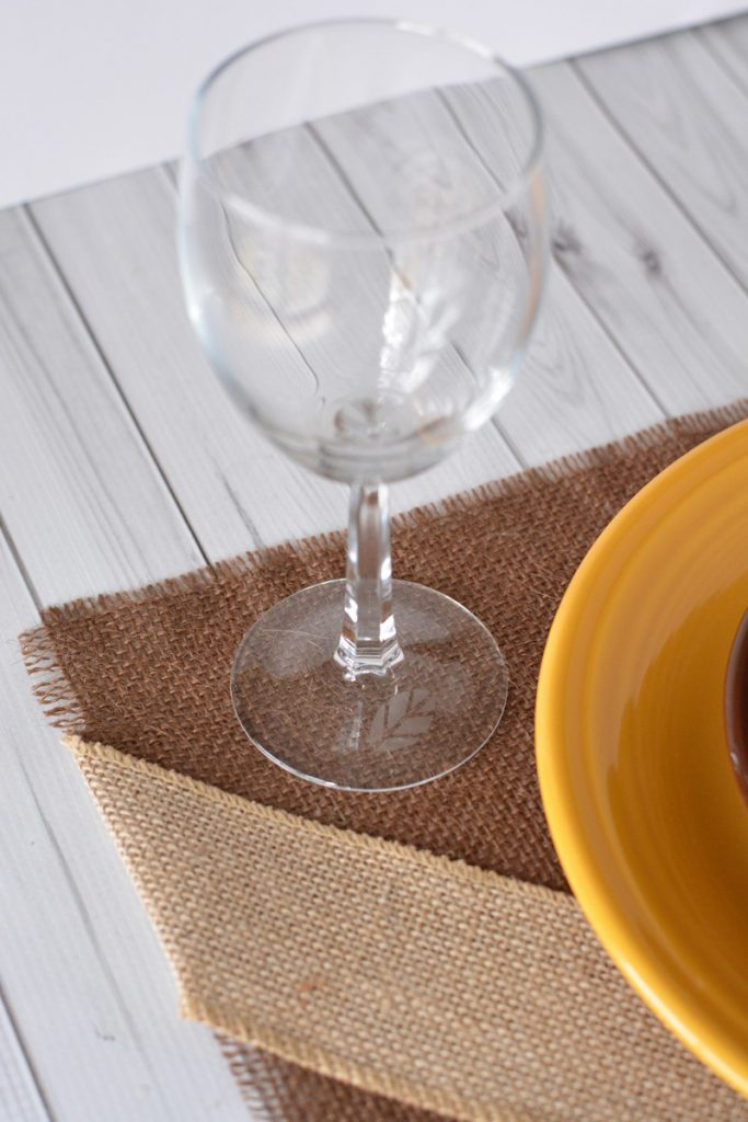 Make these gorgeous Thanksgiving placemats and wow your guests this year! With just a few simple steps you can have a beautiful addition to any table.