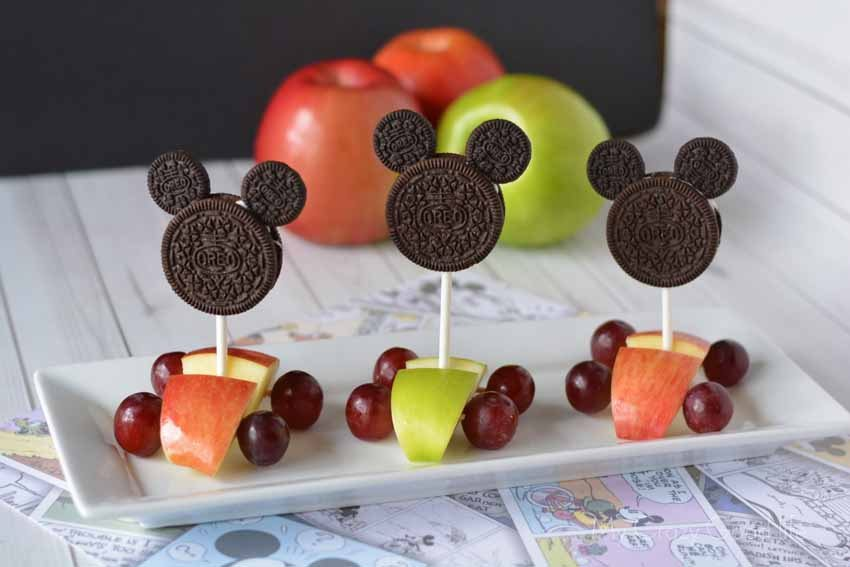 This adorable Mickey Race Car Snack is perfect for creating with your little Mickey Mouse lover! Make it for your Mickey and the Roadster Racers Party!