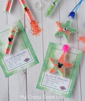 These edible pixie dust vial and necklace are adorable Fish Extender gifts for your Disney Cruise! They're easy to carry in your suitcase and fun for the kids to make!