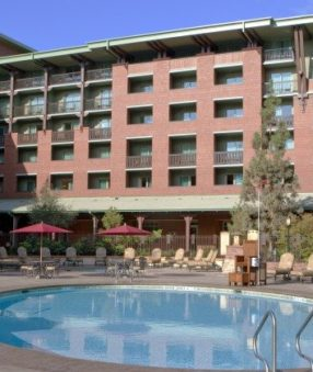 Easy park entrance, amazing dining, and great rooms make the Grand Californian Hotel and Spa our favorite Disneyland Resort Hotel!