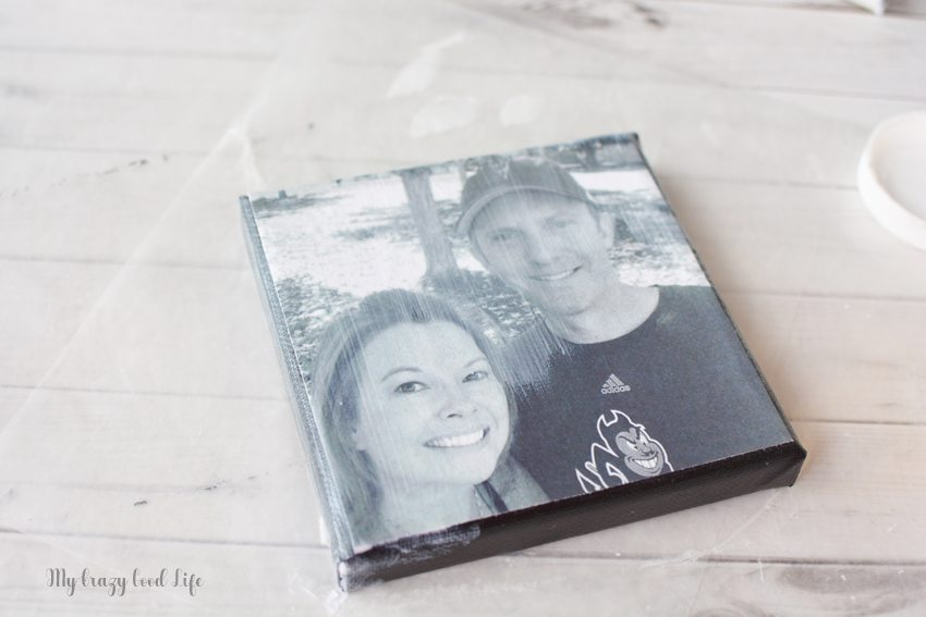 Making a DIY photo canvas is easy and fun. They make a beautiful addition to a photo wall in your home, or a thoughtful and personal gift!