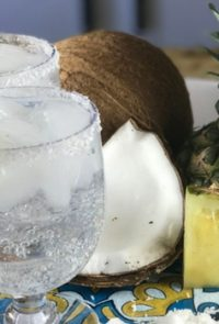 Low calorie cocktails are kind of the dream right? A good one, like this 100 calorie pina colada, are packed with flavor but they leave the added sugar, calories, and fat at home.