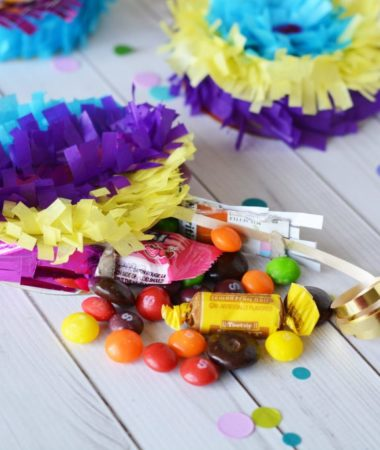Today I've got a great list for you, it's packed full of teen DIYs for summer. These are fun teen craft projects your teen can do with or without you!