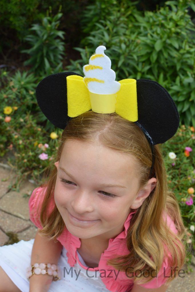 All the Disney fans out there know how important a good set of DIY Mickey ears are, right? I'm sharing with you a set of Dole Whip Mickey, they're adorable!