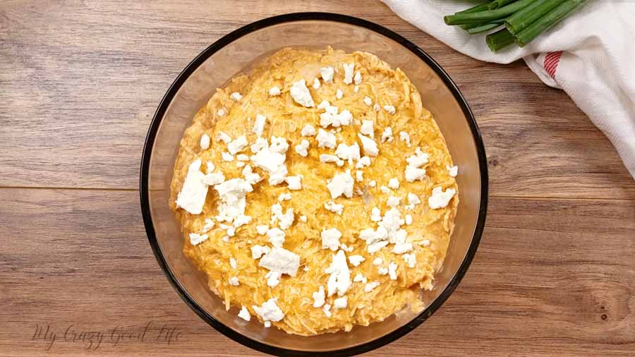 This healthy Buffalo Chicken Dip is full of protein and not calories! You can make it in the Instant Pot, Slow Cooker, or oven. You'll love this easy game day dip recipe. Instant Pot Buffalo Chicken Dip   21 Day Fix Buffalo Chicken Dip   Slow Cooker Buffalo Chicken Dip #21dayfix #beachbody #crockpot #gameday