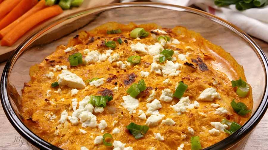 Perfect buffalo chicken dip for snacking.