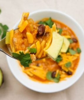 There's nothing better than a hearty bowl of chili. This Weight Watchers sweet potato chili is delicious, easy to make, and super low in points! #weightwatchers #instantpot #recipes #freestyle