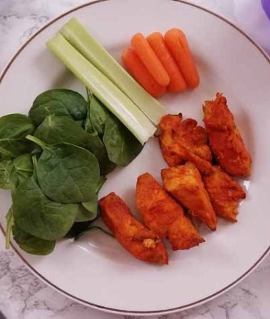 Weight Watchers buffalo chicken wings are a great snack, perfect for parties, and of course a healthy protein option! Check out this easy and tasty Instant Pot recipe. #weightwatchers #recipes #instantpot