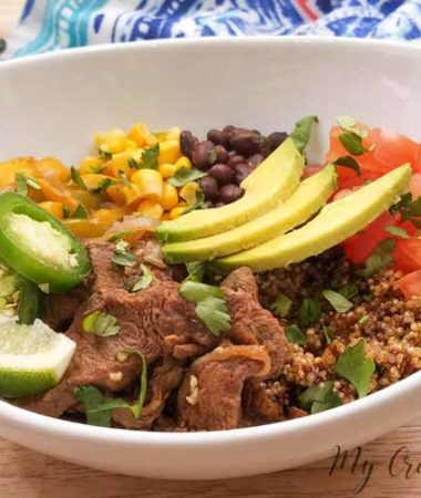 Beef Beef fajita bowls are an easy way to eat a balanced and healthy meal. I love that I can make these in the crockpot, Instant Pot (or other pressure cooker), or on the stove! Quinoa Fajita Bowls | Healthy Fajita Bowls | Healthy Dinner Recipe | Healthy Instant Pot Recipe | 21 Day Fix Mexican Recipe | 21 Day Fix Dinner #21dayfix #beachbody #healthy #instantpot #easy #dinner bowls are an easy way to eat a balanced and healthy meal. You've got your protein, your veggies, and quinoa?! It's checking all the important boxes! #21dayfix #21dfx #recipes #healthy #dinner #21dayfixrecipes