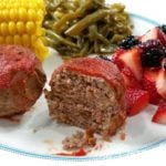 This recipe for mini meatloaves makes use of your egg bite or baby food molds! You can make this easy dinner recipe in the Instant Pot, slow cooker, or in the oven. This is one of our favorite family dinner recipes! 21 Day Fix Dinner | 21 Day Fix Instant Pot | Instant Pot Mini Meatloaves | Healthy Slow Cooker Dinner