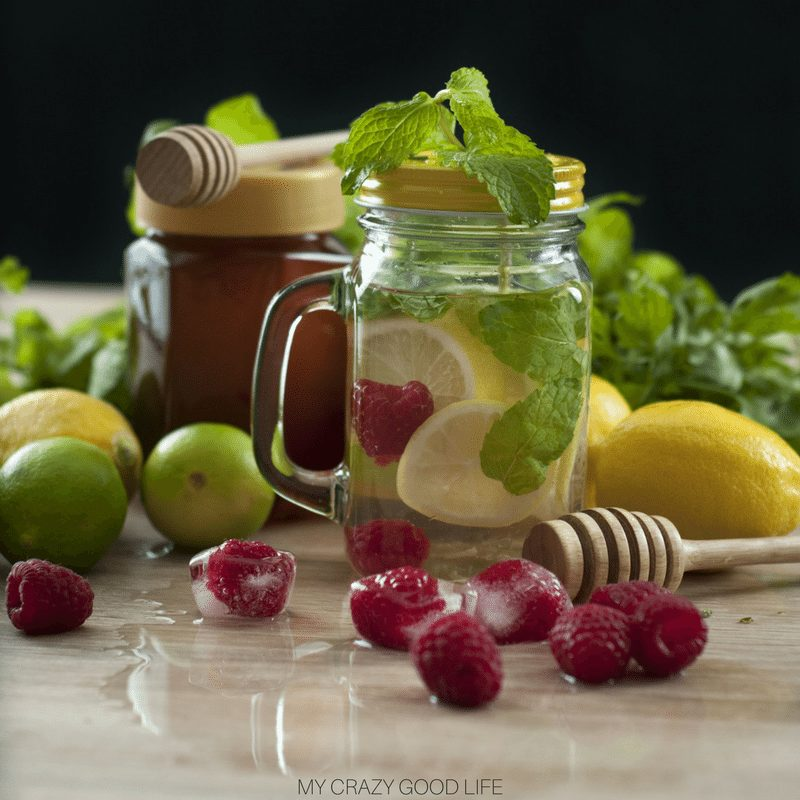 By now I think we all know how amazing the Instant Pot is, it's a versatile machine that can do almost anything! Did you know that you can make amazing Instant Pot drinks?! There are endless possibilities for Instant Pot beverages that you can whip up. Give some of these tasty pressure cooker drinks a try today! Instant Pot Drink Recipes | Instant Pot Infused Water Recipes #instantpot #drinks #instantpotdrinks #pressurecooker #recipes