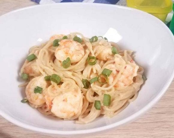 Healthy Bang Bang Shrimp Pasta
