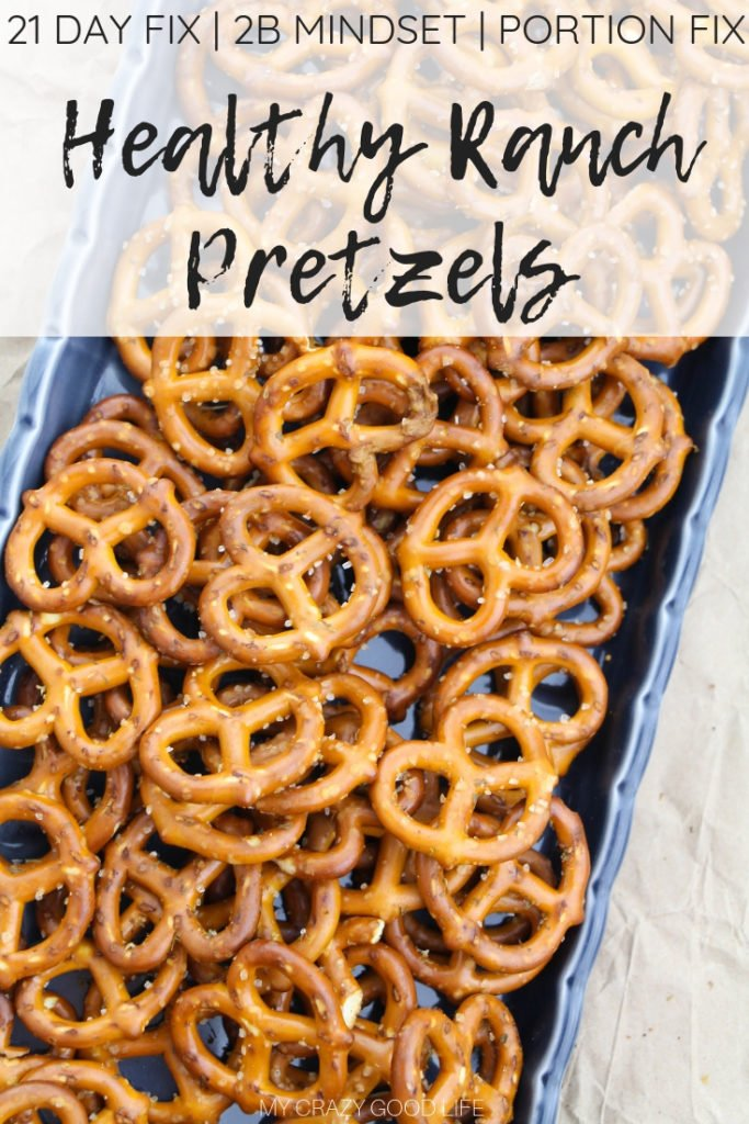 These healthy Ranch Pretzels are the perfect mid-day snack! No seasoning packed needed as you can mix your own spices for a healthier snack. These ranch flavored pretzels are a kid friendly snack! 21 Day Fix Treat Swap | Healthy Snack Recipe | Kid Snacks | Ranch Snacks