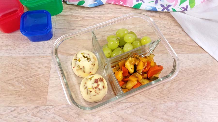 egg bites in a glass meal prep container