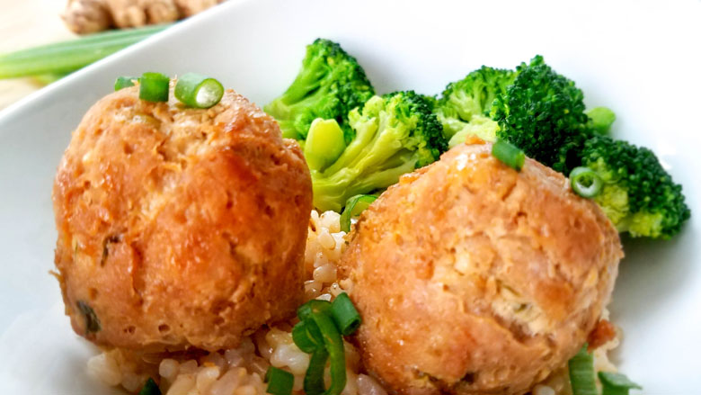 teriyaki meatballs with brown rice and broccoli