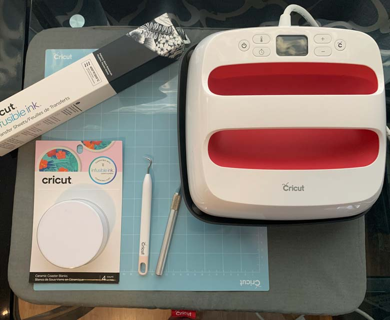 cricut accessories and the maker on the easypress pad