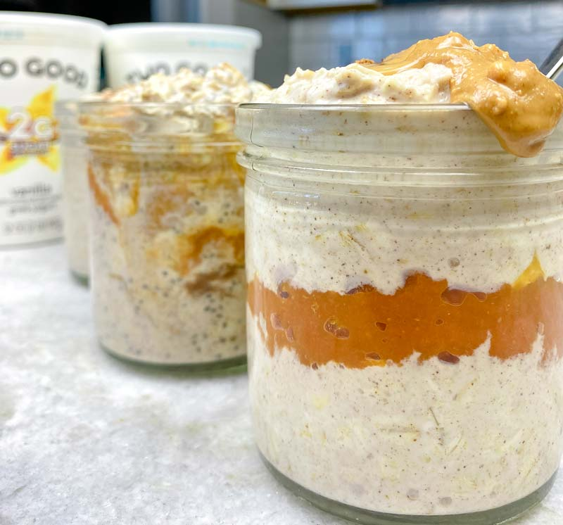 close up of pumpkin spice overnight oats